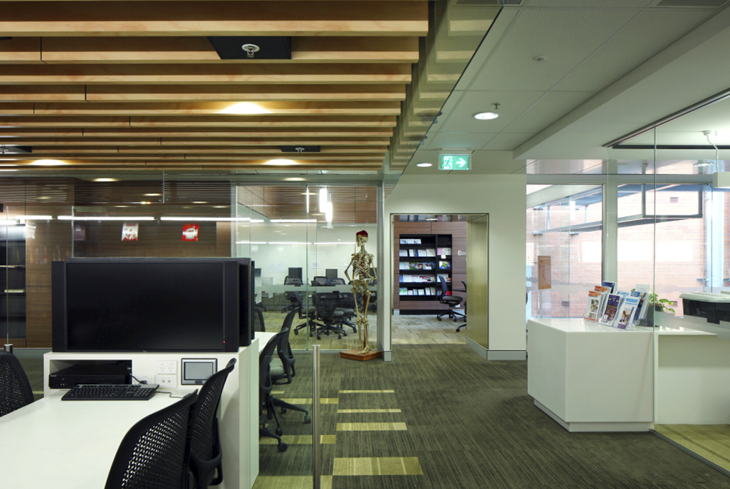 phillips smith conwell, psc. architects, university of queensland clinical school, uq clinical school, greenslopes private hospital, medical architecture, interior design, interior architecture,